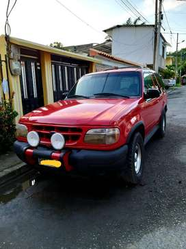 FORD EXPLORER AÑO 2000