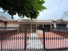 Hermosa Casa Con Local Totamente Remodelada