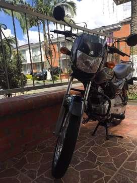Se vende moto nueva unico dueño motivo viaje