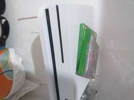 Se vende Xbox One S en perfecto estado