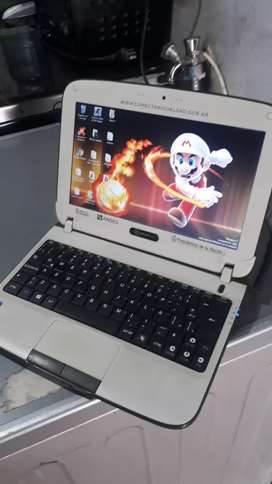 netebook  libre  250 GB  2 de ram windows 7 ultimate