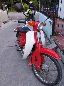 Se vende moto c70 con seguro soat  hasta junio tenomecanico hasta agosto solo tarjeta de propiedad