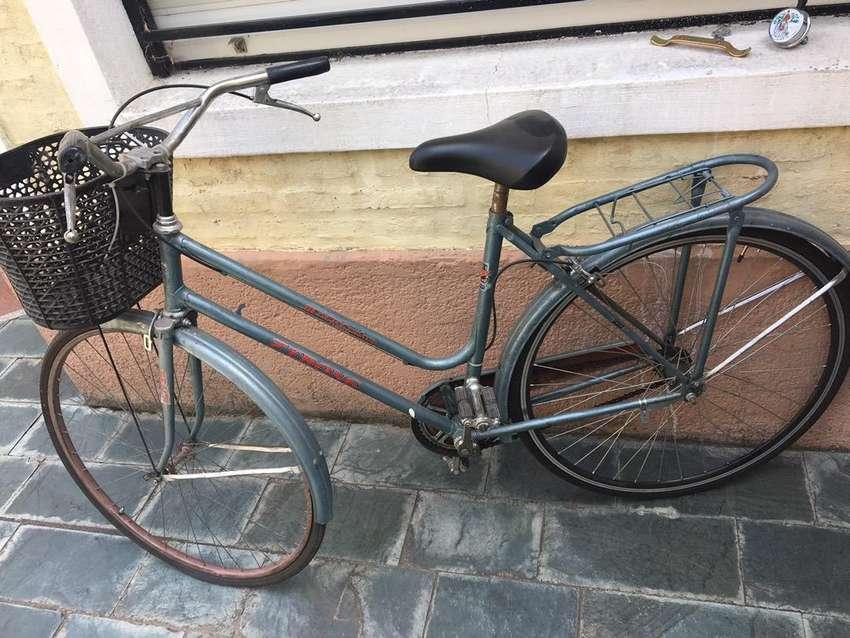 Bicicleta de paseo, escucho ofertas razonables. 0