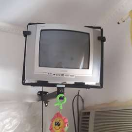 "Televisor 16"" Phillips"