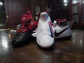 Guayos Nike phantom y guayos adidas 17.2