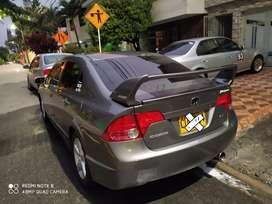Vendo honda Civic modelo 2008 versión ex mecánico ubicado en la ciudad de Medellín todo al día listo para traspaso.l