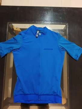 Remera de ciclismo Magenta Jersey azul talle 6