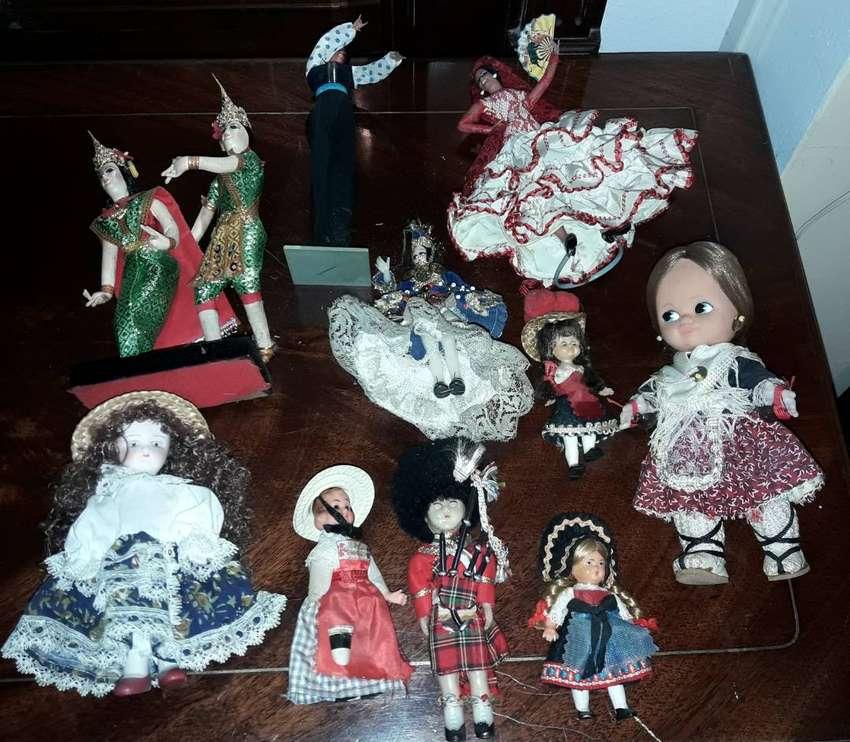 Muñecos varios adorno 0