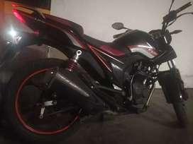 Vendo moto AKT Cc 125 modelo 2015
