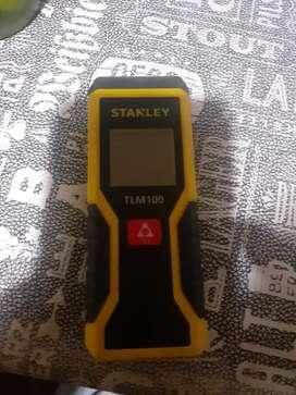 Vendo medidor laser stanley tlm100 stht77410