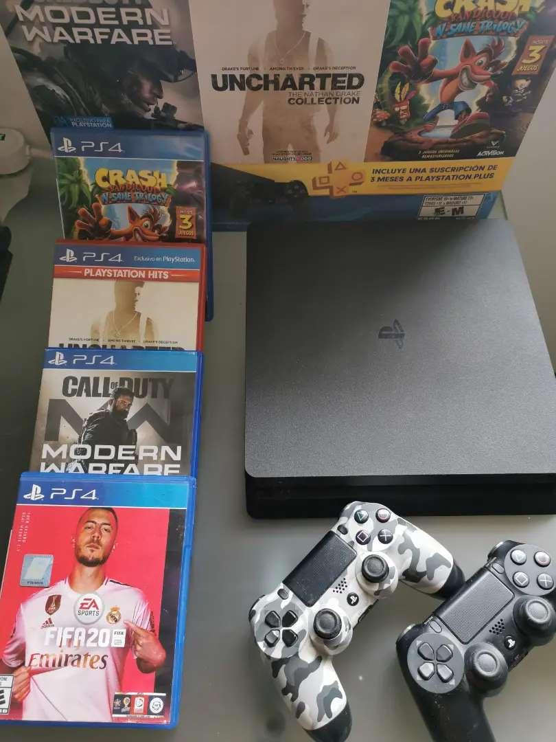 Playstation 4 Slim 1 Tb + 2 Controles + 4 Juegos - Usado