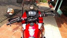Vendo Kawasaki KLR 650 impecable.