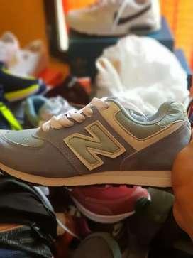 Zapatillas femeninas