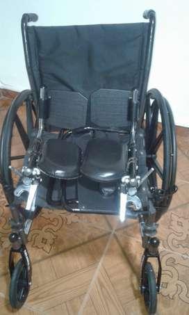 Vendo silla de Ruedas Americana