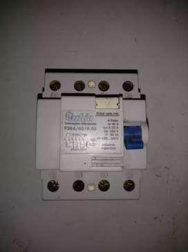 Interruptor diferencial usado, funcionando