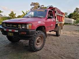 Camioneta 4y aro 16 cabina simple