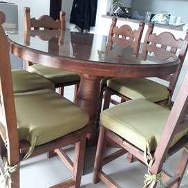 Juego de comedor (mesa y 6 sillas) de algarrobo
