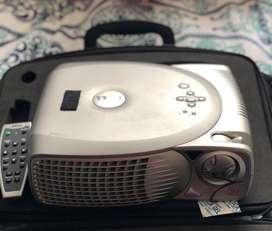 Projector video beam DELL 2100MP usado