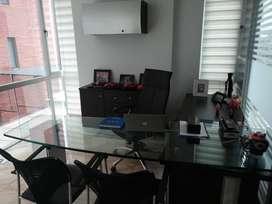 //República del Salvador! Amplia oficina amoblada en renta, 90m2. 1420 USD negociables!