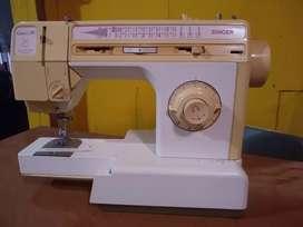 Máquina de coser Singer Capri 45