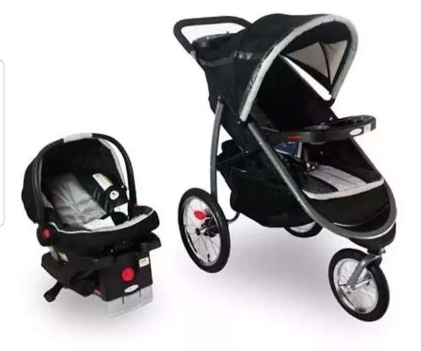 Se vende coche + paseador y mecedora marca GRACO 0