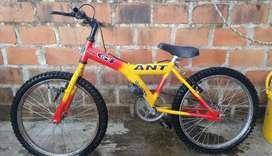 Se vende bicicleta GIANT precio negociable