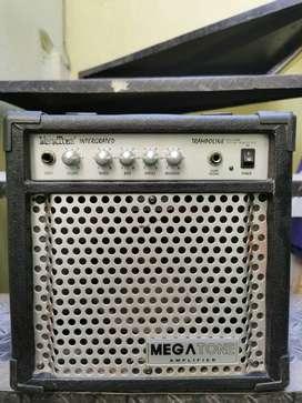 Amplificador de bajo MEGATONE 16W