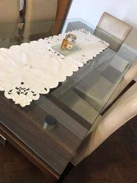 Mesa de Living Vidrio y sillas Diseño Modeno
