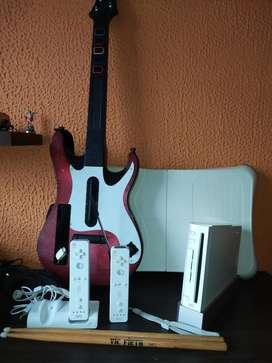 Wii  con Guitarra,  Bateria Y  W Fit