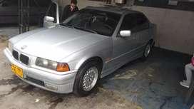 BMW 318 i es buen estado listo para traspaso