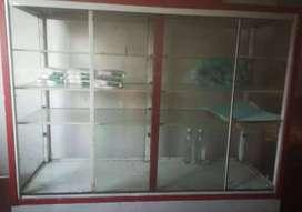 Vitrina 2x2 vidrio buen estado