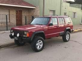 Jeep Cherokee Sport 4x4 c/GNC y VTV
