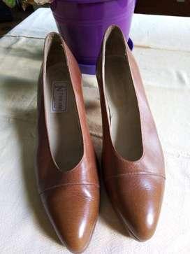 Vendo zapato vestir  mujer impecable