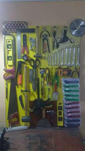 Se vende cerrajería con tornillería y soldadura y herramientas