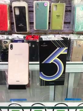TELÉFONO HYUNDAI E504 16 GB