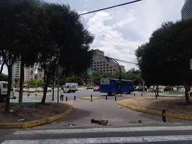 Local Comercial 140 m2  excelente ubicación Amazonas y Orellana
