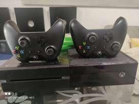 Xbox one 500 gb + controles
