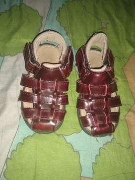 Sandalias de nene