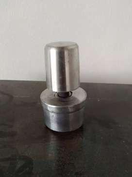 Venta de niveladores en aluminio para muebles industriales, estufas y mesones