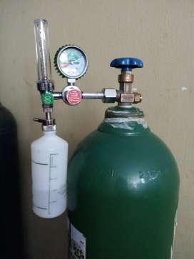 Balón de Oxigeno vacío  y manómetro