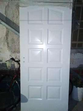 Puerta nueva a extrenar chapa doble inyectada marca nexo aberturas