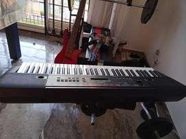 Teclado Yamaha 5 octavas PSR E263, como nuevo