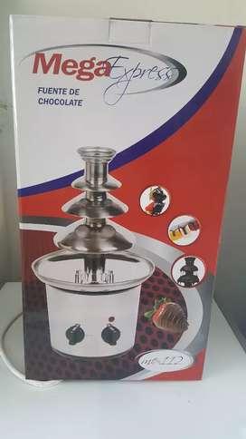 Fuente cascada de chocolate grande