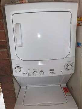 se vende lavadora-secadora