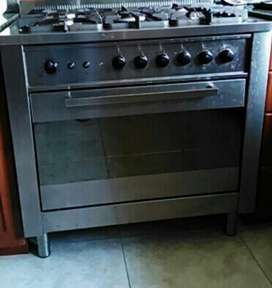 ARISTON Stove