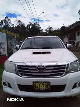 Vendo  Hilux SRV Tailandesa