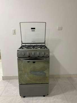 Estufa de 4 puestos con horno haceb