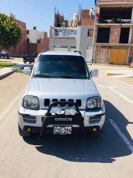 Vendo Jeep Susuki Jimny del año 2011 en 32000 soles, precio a tratar.