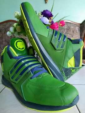 Zapa Adidas Hulk Nueva N37/8