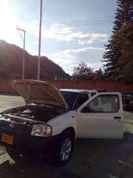 Camioneta Nissan Frontier 4x2 Gasolina Gas Full Equipo con Aire , Vidr